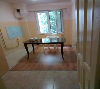 Apartament de vanzare 3 camere zona Piata Romana, Bucuresti 75 mp