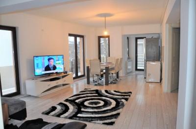 Apartament de vanzare 3 camere zona Polona, Bucuresti 107.08 mp