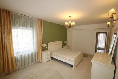 Apartament de vanzare 3 camere zona Stefan cel Mare, Bucuresti 160 mp