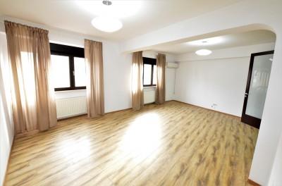 Apartament de vanzare 4 camere zona Ateneu, Bucuresti