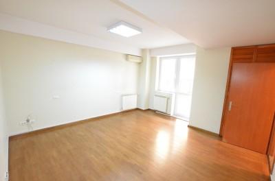 Apartament de vanzare 4 camere zona Dorobanti, Bucuresti 200 mp