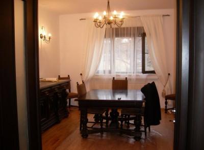 Apartament de vanzare 4 camere zona Dorobanti, Bucuresti 230 mp