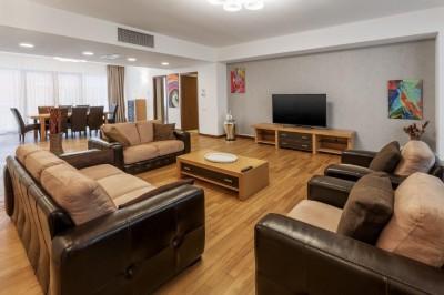 Apartament de inchiriat 4 camere zona Herastrau-Satul Francez, Bucuresti 215 mp