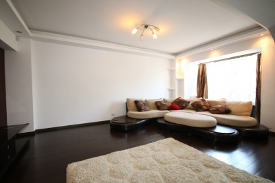Apartment for sale 4 rooms Palatul Parlamentului area, Bucharest 120 sqm