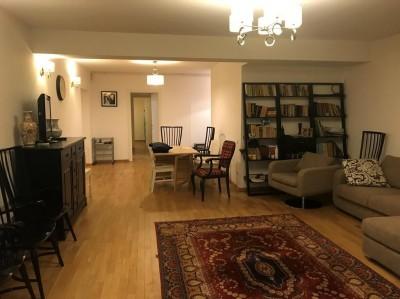 Apartament de vanzare 5 camere zona Piata Unirii—Calea Calarasilor, Bucuresti 150 mp