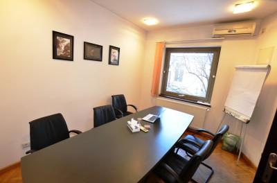 Apartament in vila de vanzare 4 camere zona Budapesta-Unirii, Bucuresti 86 mp