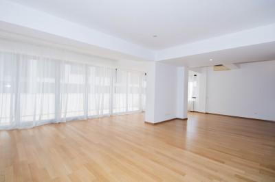 Apartament tip duplex de inchiriat 3 camere zona Herastrau, Bucuresti 215 mp