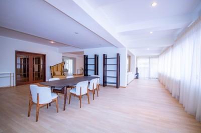 Apartament tip penthouse de inchiriat 5 camere zona Herastrau, Bucuresti 403 mp