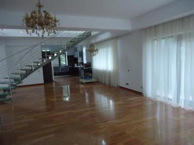 Casa de vanzare 3 camere zona Jandarmeriei, Bucuresti 302 mp