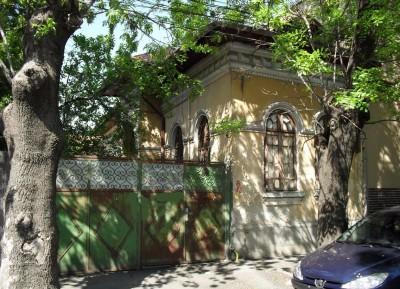 Casa de vanzare 3 camere zona Unirii-Calea Calarasilor, Bucuresti 100 mp