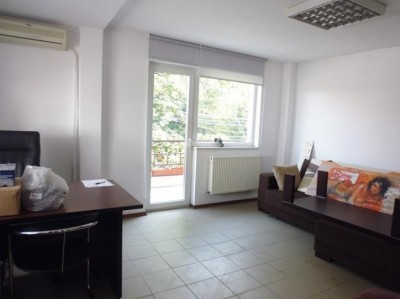 Casa de vanzare 6 camere zona Ion Mihalache, Bucuresti 250 mp