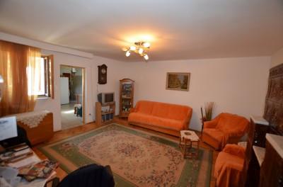 Casa de vanzare 6 camere zona Jiului, Bucuresti 310 mp