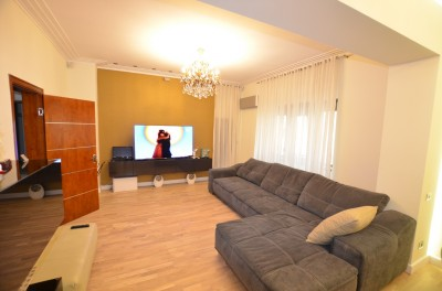 Duplex for sale 5 rooms Eminescu - Toamnei area, Bucharest 210 sqm