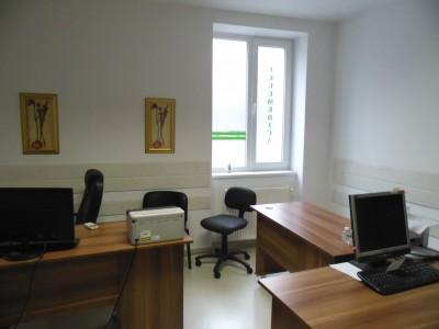 Imobil amenajat pentru clinica medicala de inchiriat zona Universitate, Bucuresti 750 mp