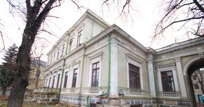 Palatul Crissoveloni- Cantacuzino de inchiriat zona Calea Victoriei, Bucuresti 3500 mp