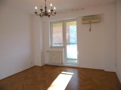 Apartament de inchiriat 4 camere zona Piata Victoriei, Bucuresti 102 mp