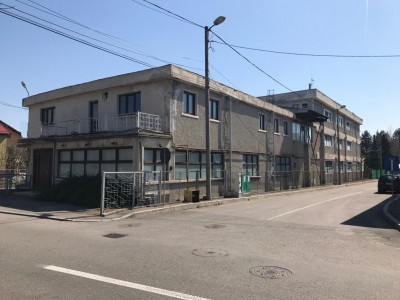Spatiu industrial de vanzare zona Campina, Judetul Prahova 1.395 mp