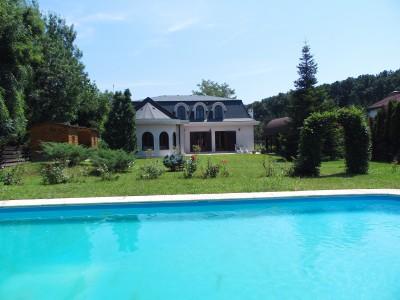 Vila cu piscina de inchiriat 7 camere zona Corbeanca, 300 mp