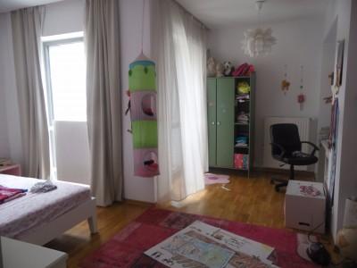 Vila de inchiriat 5 camere zona Baneasa - Gheorghe Ionescu Sisesti, Bucuresti 300 mp