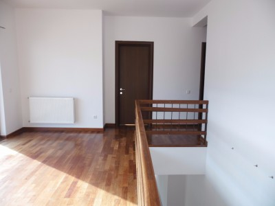 Vila de inchiriat 5 camere zona Iancu Nicolae - British School, Bucuresti 330 mp