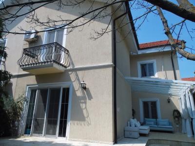 Vila de inchiriat 5 camere zona Iancu Nicolae, Bucuresti 250 mp