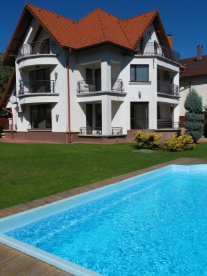 Villa for rent 5 rooms Iancu Nicolae - Jolie Ville, Bucharest 350 sqm
