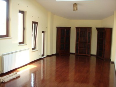 Villa for rent 5 rooms Pipera area, Bucharest 280 sqm