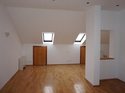 Vila de inchiriat 5 camere zona Straulesti - Petrom City, Bucuresti 260 mp