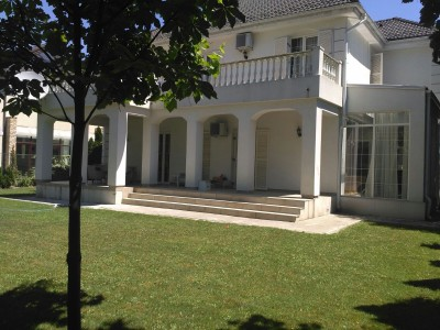 Villa for rent 6 rooms Iancu Nicolae area, Bucharest 350 sqm