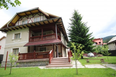 Villa for sale 12 rooms Busteni - Zamora, Prahova county 425 mp