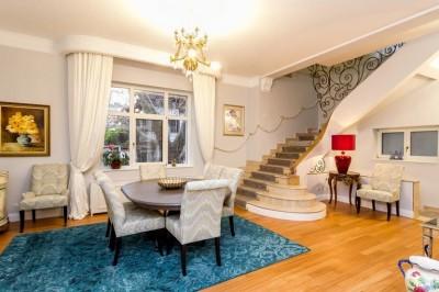 Villa for sale 12 rooms Cotroceni area, Bucharest 725 sqm