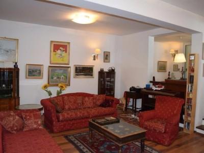 Vila de vanzare 4 camere zona Baneasa, Bucuresti 220 mp