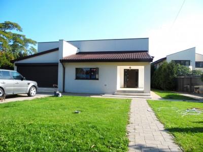 Villa for sale 4 rooms Ferme - Otopeni area, Bucuresti 400 sqm