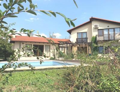 Vila de vanzare 5 camere zona Corbeanca 323 mp