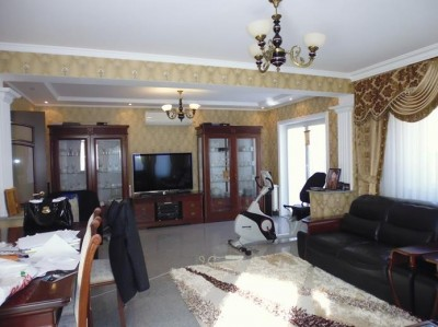 Villa for rent 5 rooms Pipera area, Bucharest 181 sqm