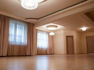 Vila de vanzare 5 camere zona Pipera, Bucuresti 405 mp