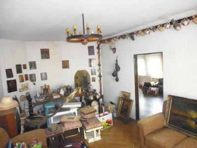 Vila de vanzare 5 camere zona Unirii- Bd Decebal 214 mp