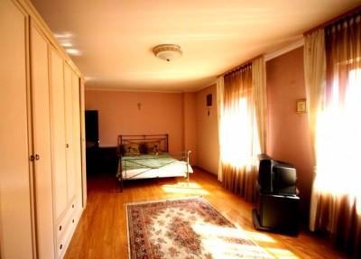 Vila de vanzare 8 camere zona Unirii-Calea Calarasilor, Bucuresti 400 mp