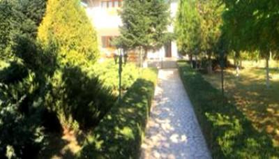 Vila de vanzare 7 camere zona Bucurestii Noi 496 mp