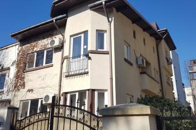 Vila de vanzare 7 camere zona Piata Dorobanti, Bucuresti 385 mp