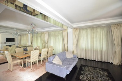Villa for sale 7 rooms Piata Presei Libere area, Bucharest