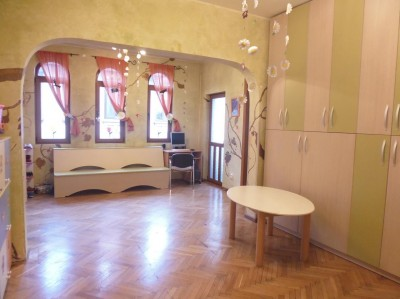 Villa for sale 9 rooms Cotroceni area, Bucharest 456 sqm