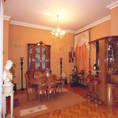 Vila de vanzare 9 camere zona Cotroceni-Opera, Bucuresti 1075 mp
