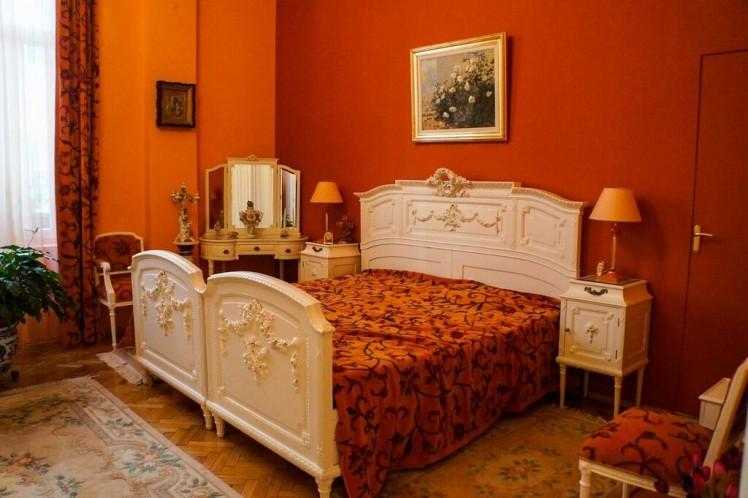 Apartament de vanzare 5 camere zona Unirii, Bucuresti 240 mp