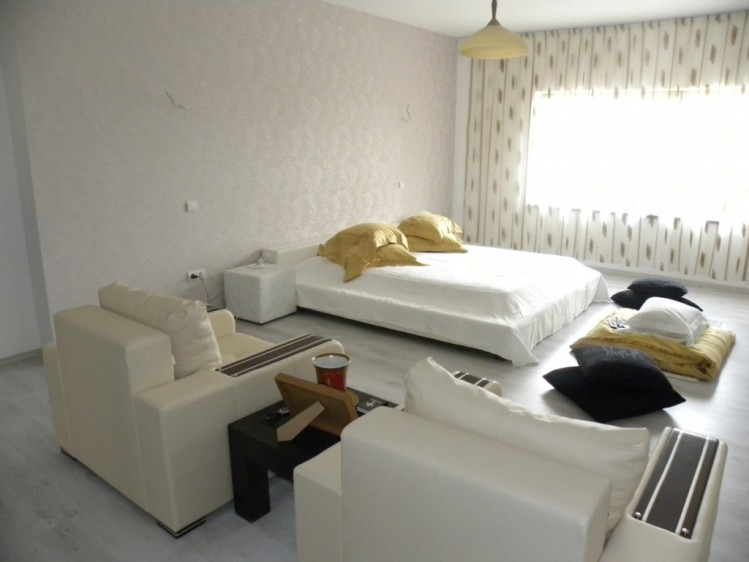 Casa de vanzare 4 camere Otopeni 325 mp