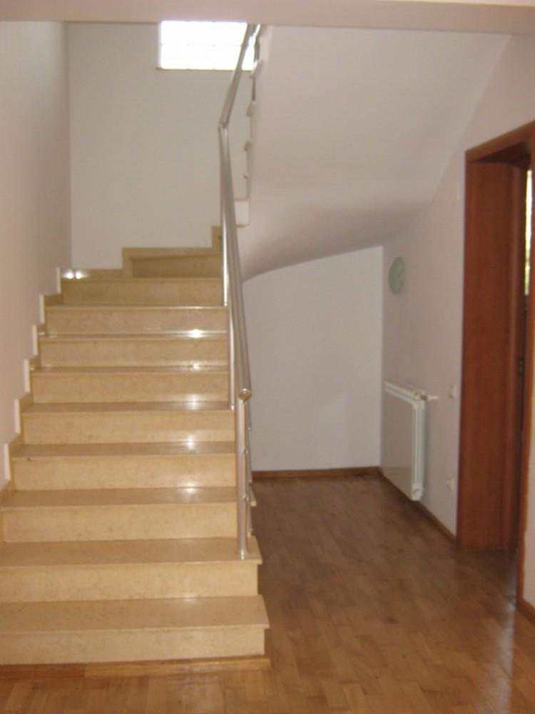 Vila de inchiriat 6 camere zona Iancu Nicolae, Bucuresti