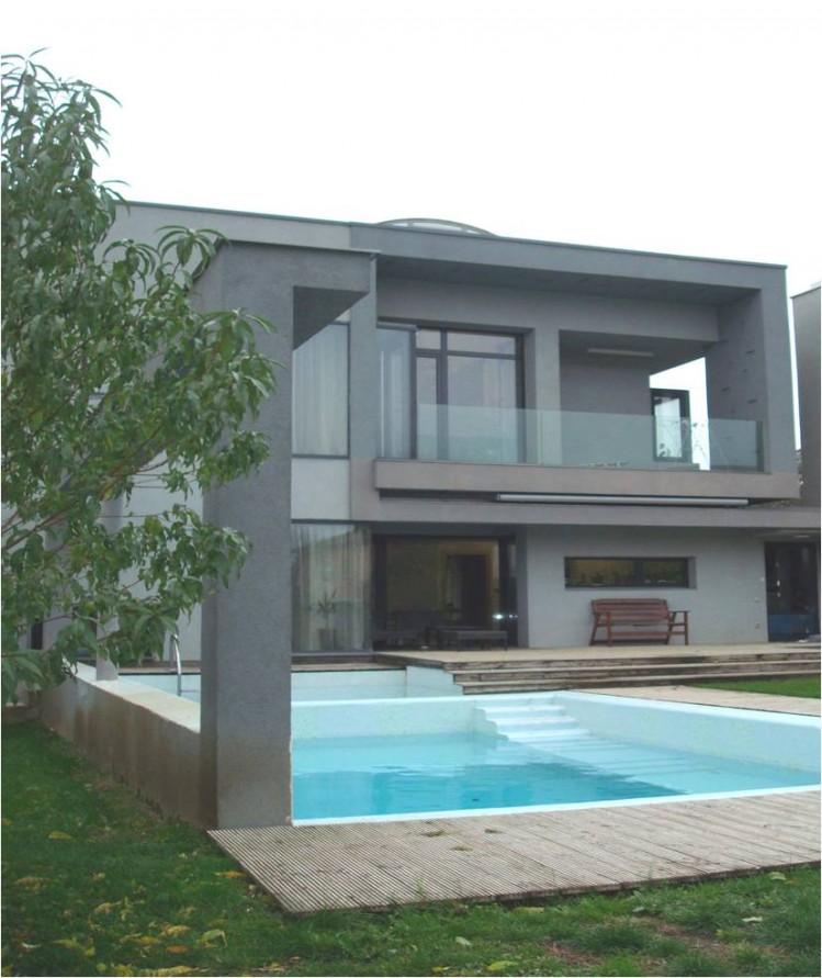 Vila de vanzare 5 camere Bucuresti zona Pipera-Baneasa