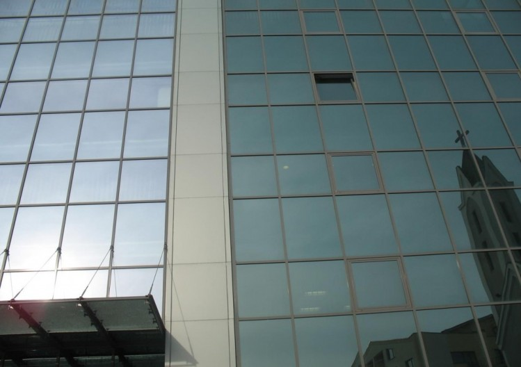 Office building for sale Baneasa area Bucharest 1.900 sqm