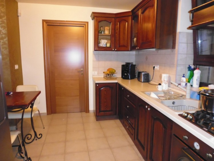 Vila de inchiriat 9 camere zona Cotroceni, Bucuresti 462 mp