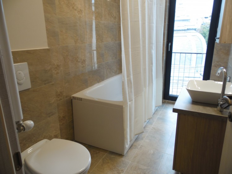 Apartament de inchiriat 2 camere zona Intercontinental - Universitate, Bucuresti 71 mp